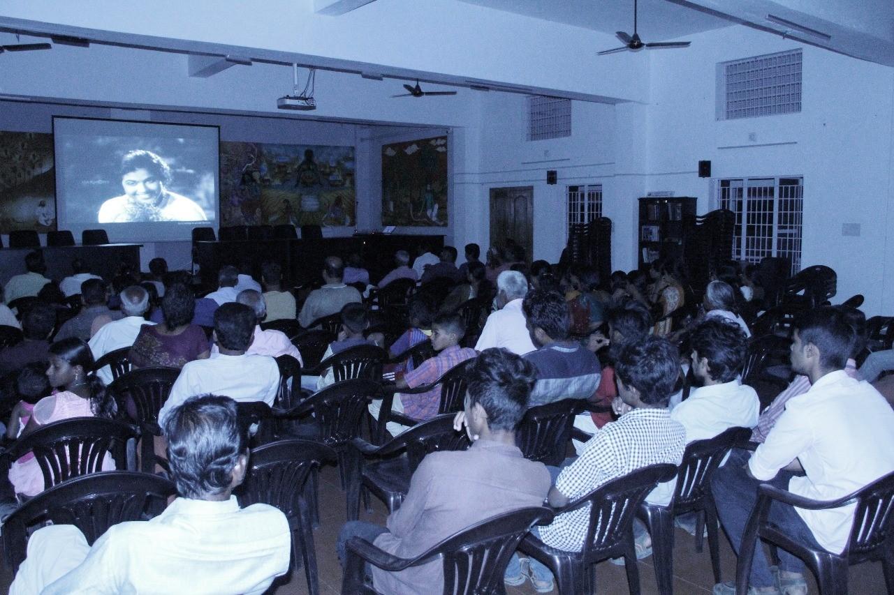 Chalachithrapradarshanam - Movie Show